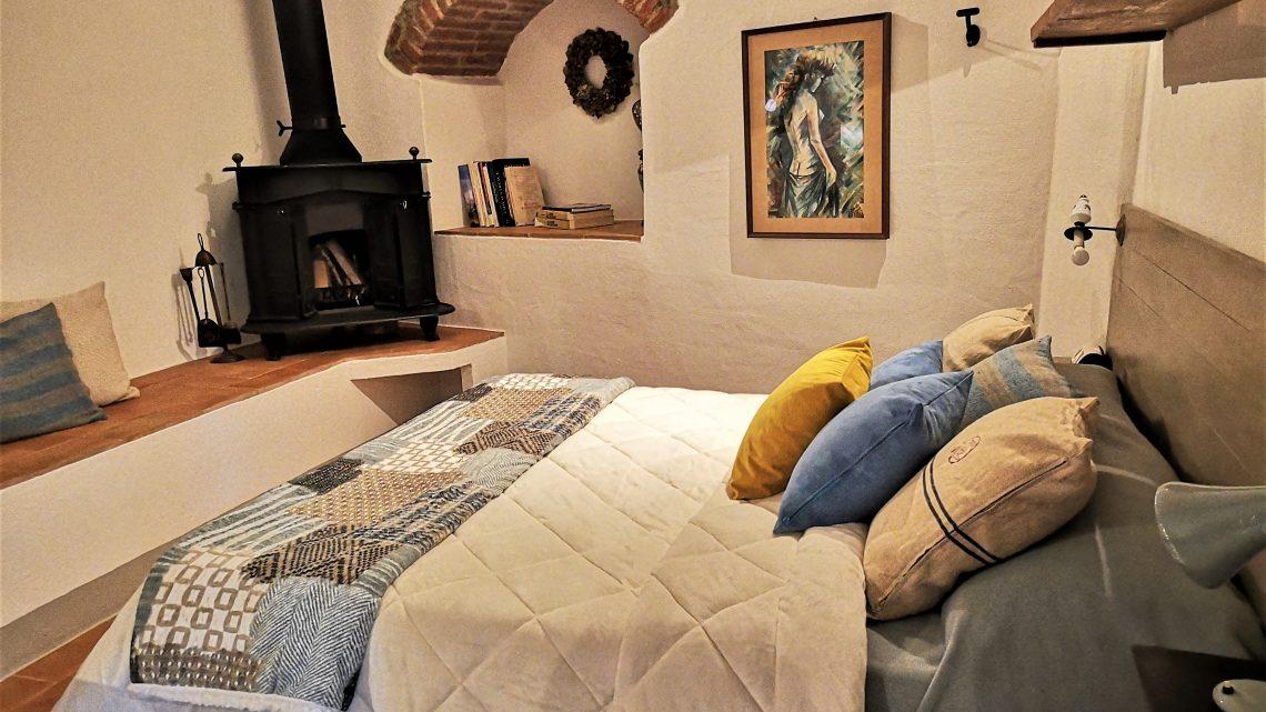 CASA TORTA Monticchiello camera da letto